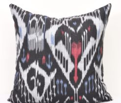 Ikat pillow black
