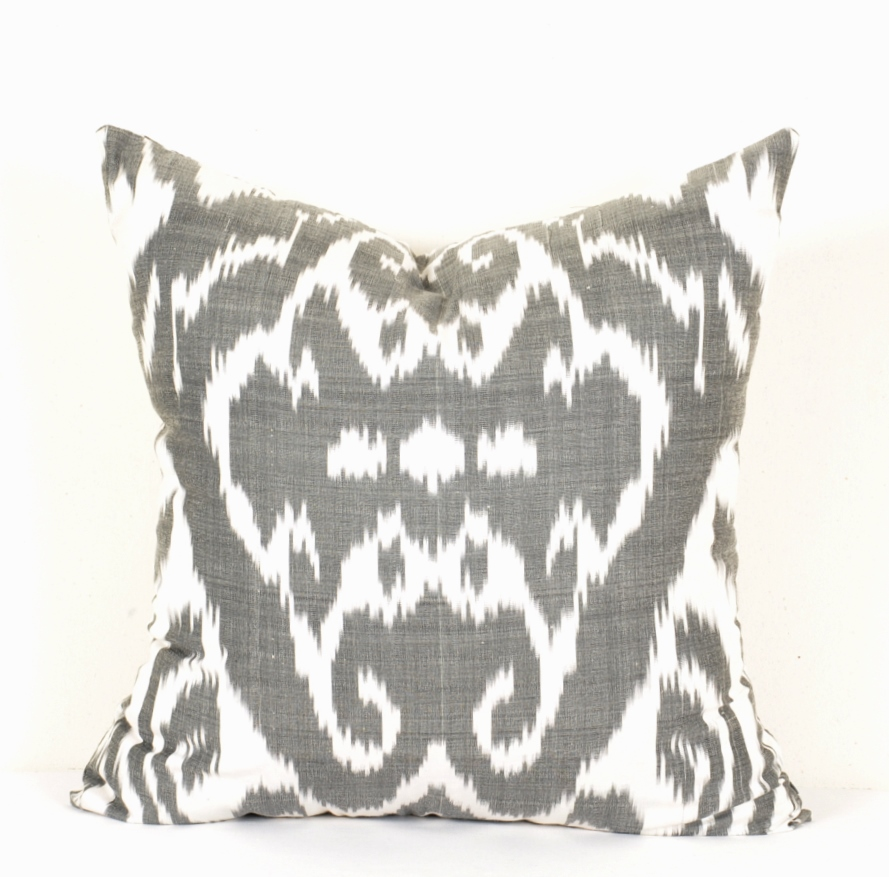 Black and white ikat pillow - Alesouk Grand Bazaar online shopping