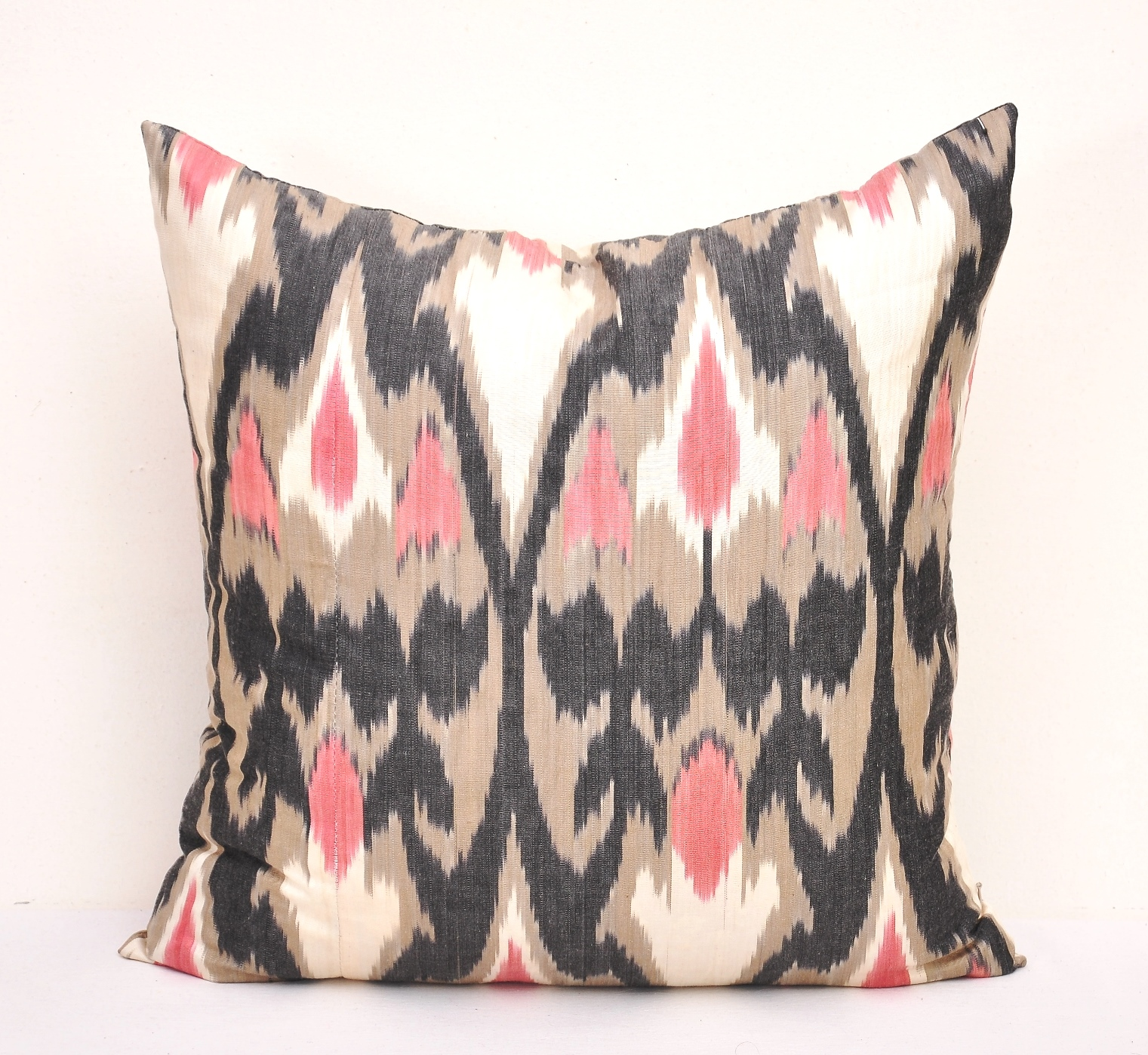 Affordable Decorative Throw Pillows : Bohemian Stylish Best Decorative Pillow Cheap Ikat Pillow UK