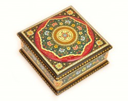 Beautiful Lacquer Earing Box