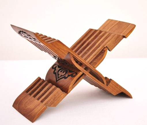 Wooden-book-stand-Laukh