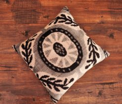 Celtic Knot Velvet Pillow