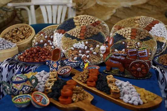 Dried fruits and nuts of Uzbekistan